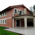 BR&C arquitectos Fachada reformada Plencia, Abanico