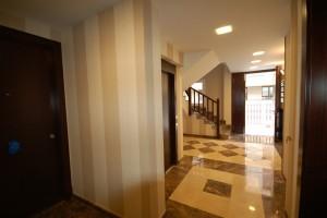 BR&C arquitectos Portal edificio Getxo